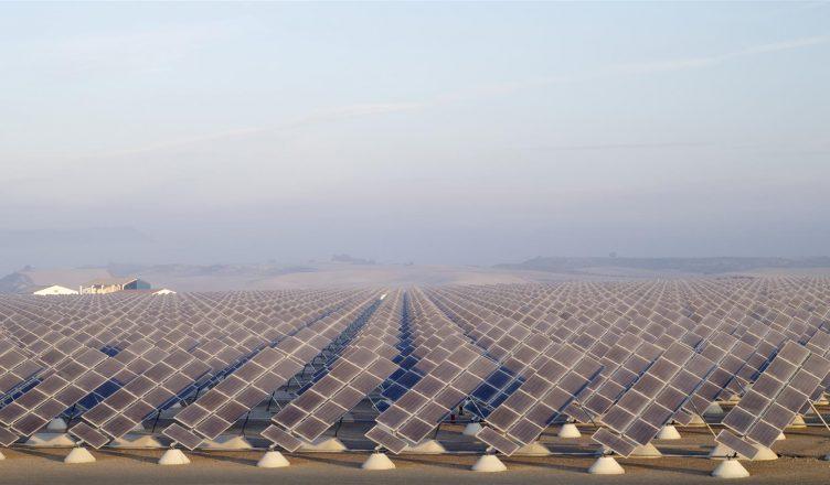 Energia Solar em 2018: Crescimento de 111 GW e Queda de Preços